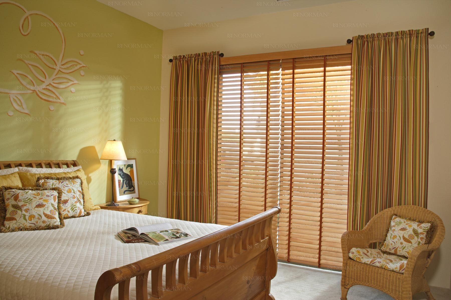 wood_blinds1